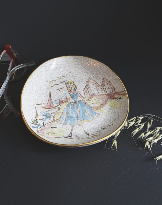 50s decorative wall plate