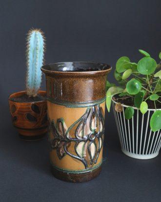 Strehla fat lava vase
