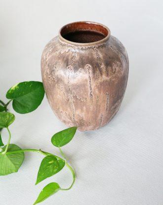 Fat lava vase by Ruscha 805