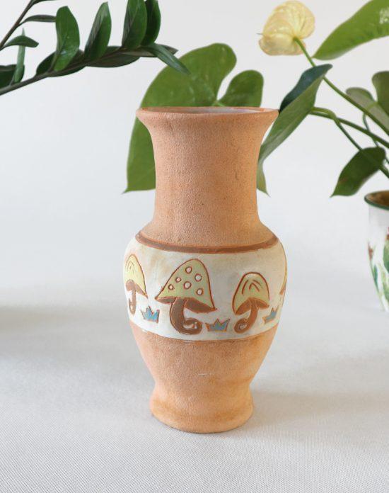 studio pottery mushroom vase