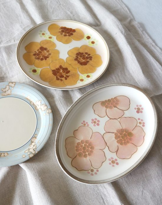 Vintage Hornsea and Denby plates in pastel colors